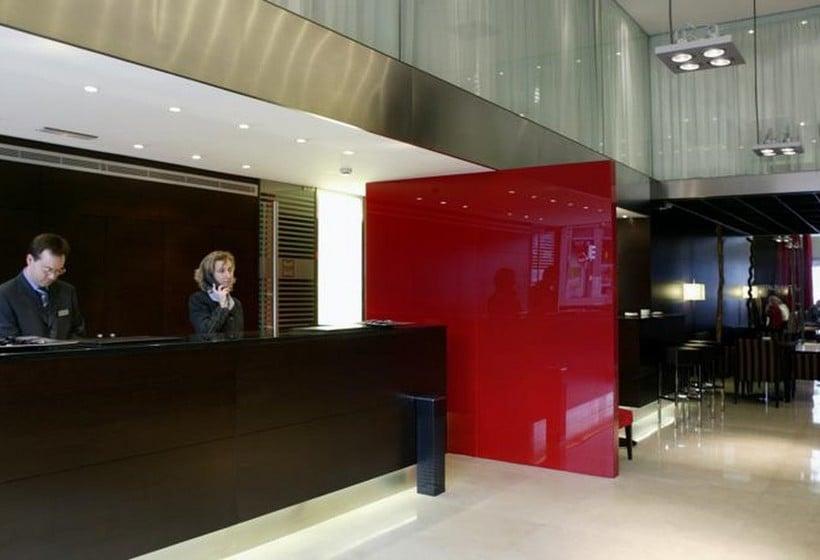 الاستقبال فندق Zenit Bilbao بلباو