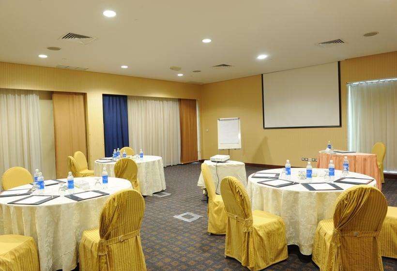قاعات مؤتمرات فندق The Palms Beach & Spa الكويت