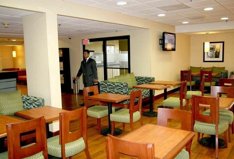 Hotel Hampton Inn By Hilton Monterrey Airport En Apodaca