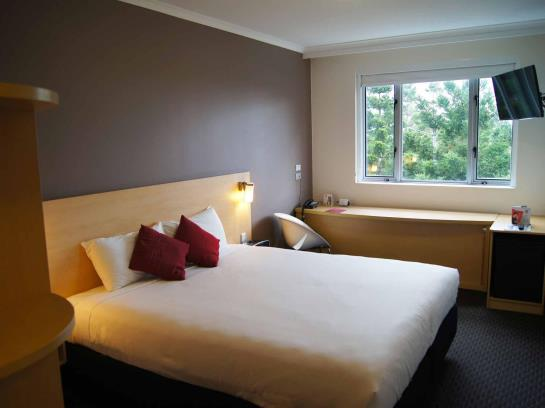 Hotel Ibis Sydney Olympic Park In Homebush Bay Starting