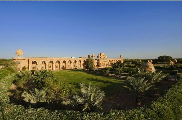 Hotel fort rajwada jaisalmer the best offers with destinia - Jaisalmer hotels with swimming pool ...