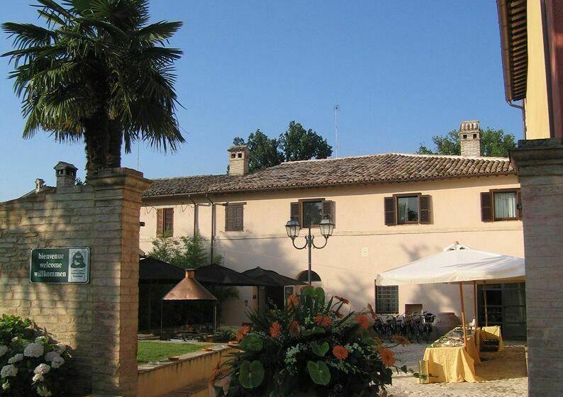 Hotel casa mancia foligno as melhores ofertas com destinia for Casa it foligno
