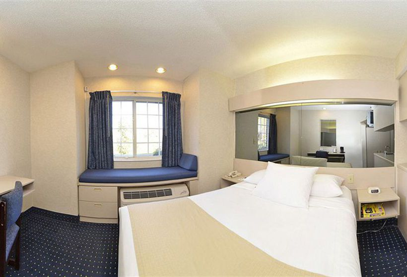 Microtel Inn & Suites Philadelphia - Airport