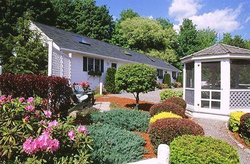 Country garden inn motel rowley as melhores ofertas for Garden inn motel