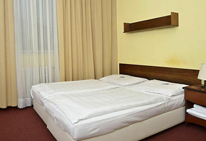 ホテル Jasmin プラハ
