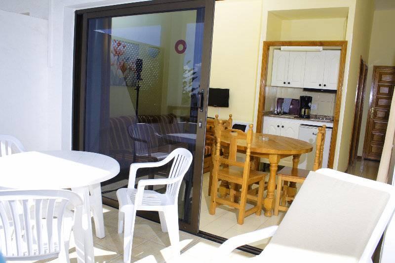 Apartamentos marivista playa del ingles the best offers with destinia - Apartamentos monterrey playa del ingles ...