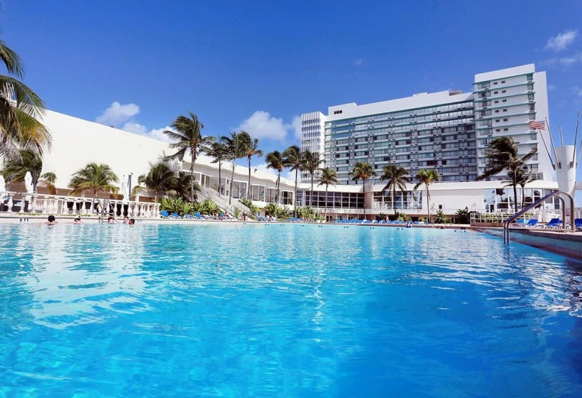 Hotel Deauville Beach Resort Miami