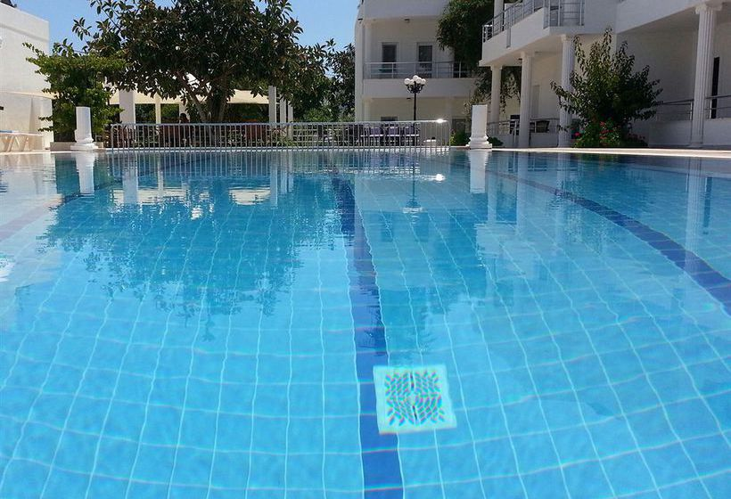 Swimming pool Hotel Maya Bodrum