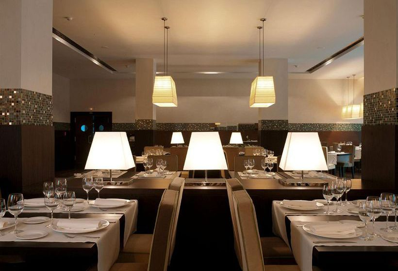 レストラン ホテル NH Collection Santiago de Compostela サンティアゴ・デ・コンポステーラ