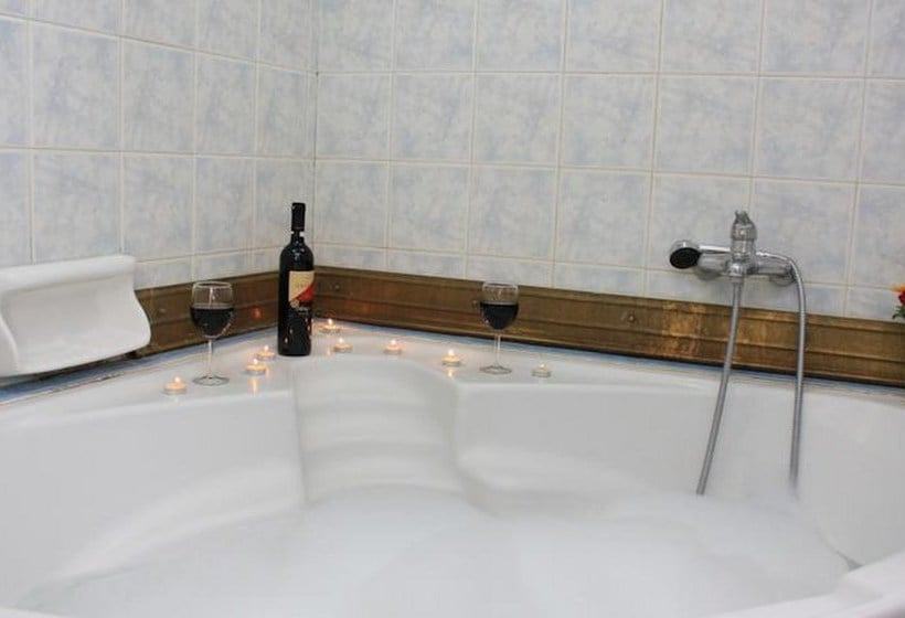 Bathroom Hotel Hellinis Atenas