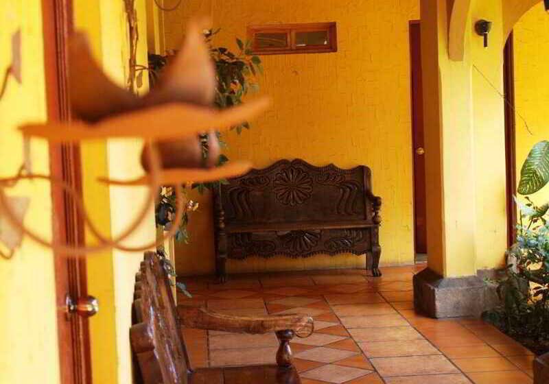 호텔 Mediterraneo Plaza 산살바도르