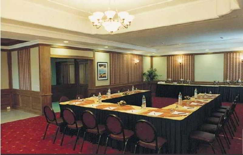 Hotel Abad Airport Kochi