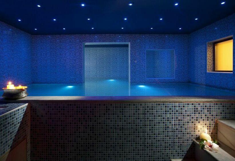 Hotel blue bay resort spa em agia pelagia desde 33 for Hotel spa familiar