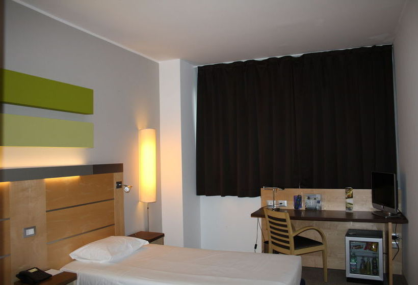 Quarto IH Hotels Milano Gioia Milão