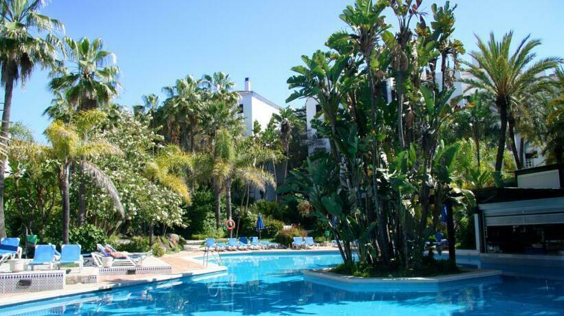 Apartamentos jardines las golondrinas in marbella for Jardines las golondrinas marbella