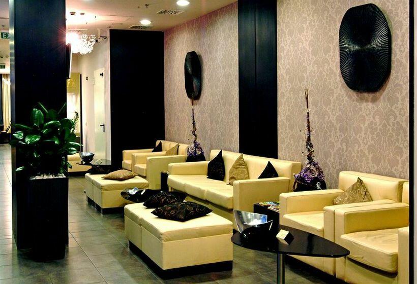 Zara boutique hotel a budapest a partire da 33 destinia for Zara hotel budapest