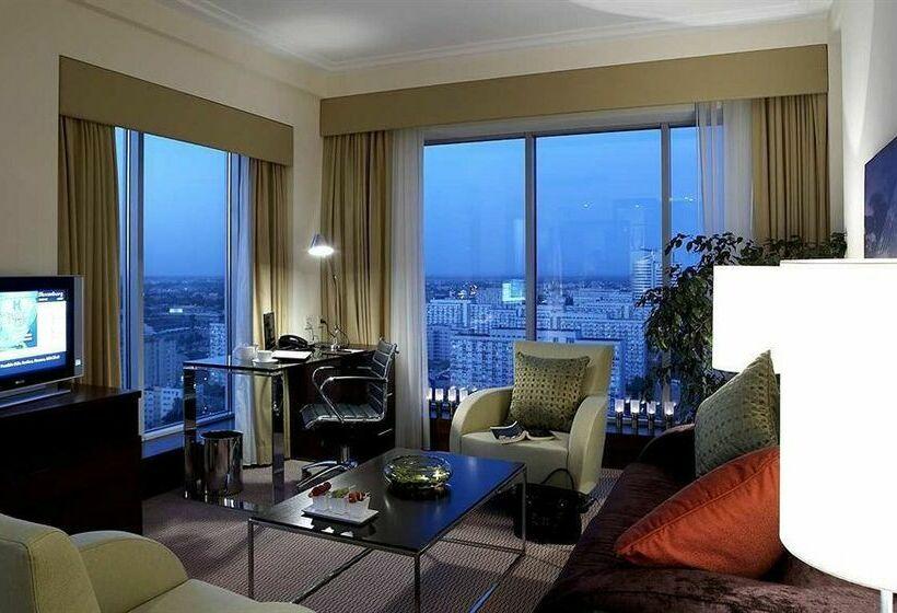 Hilton Warsaw Hotel & Convention Centre وارسو