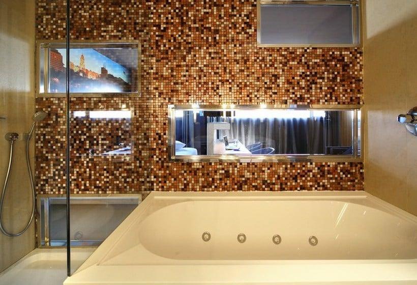 Bathroom Hotel Barceló Málaga