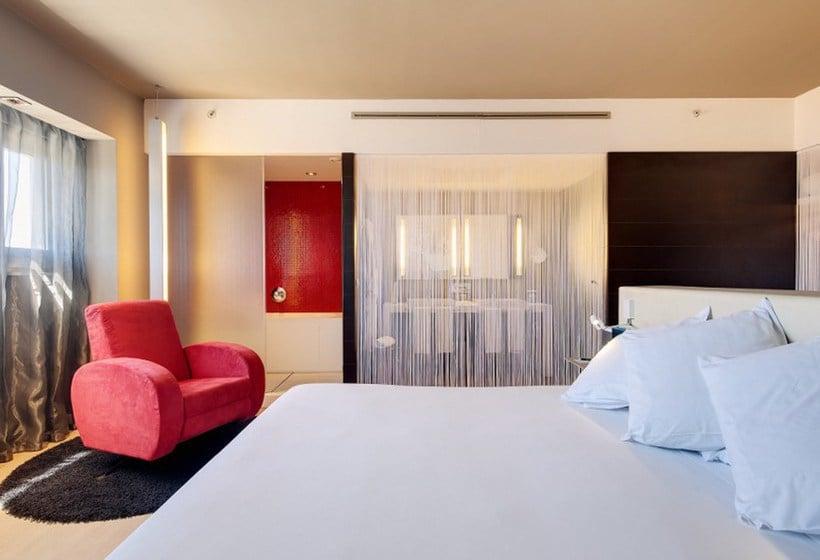 Quarto Hotel Barceló Málaga
