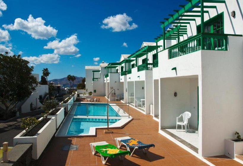 Apartamentos europa in puerto del carmen starting at 18 for Apartamentos europa