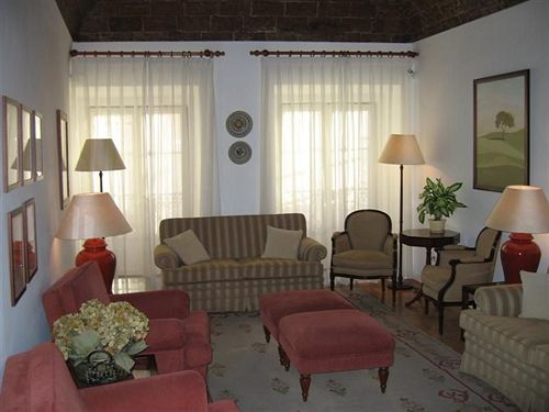 Hotel Residencial Riviera Evora