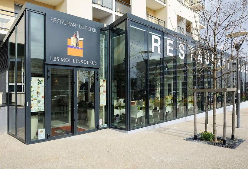 Appart 39 h tel residhome paris massy in massy starting at for Location appart hotel paris