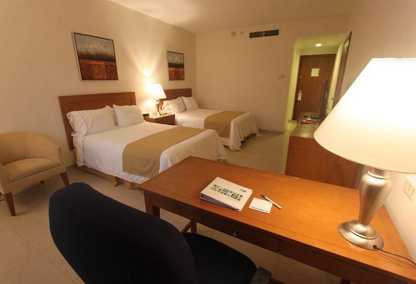 Hotel Holiday Inn Express Playa del Carmen