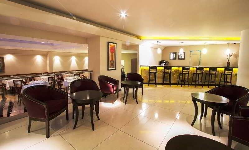 Hotel crans montana em bariloche desde 30 destinia for Hotel familiar montana