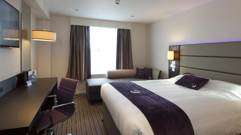 H tel premier inn glasgow braehead renfrew les for Chambre 69 club glasgow