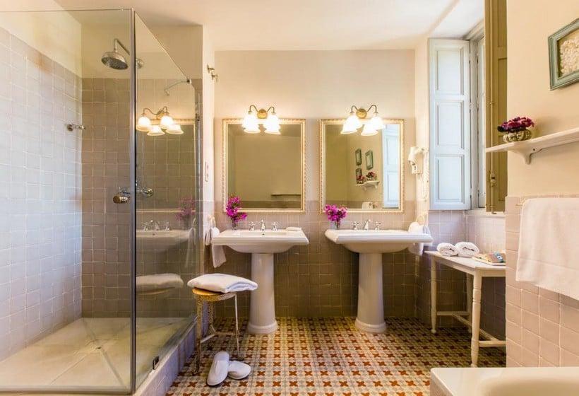 Salle de bain Hôtel Castillo de Santa Catalina Malaga