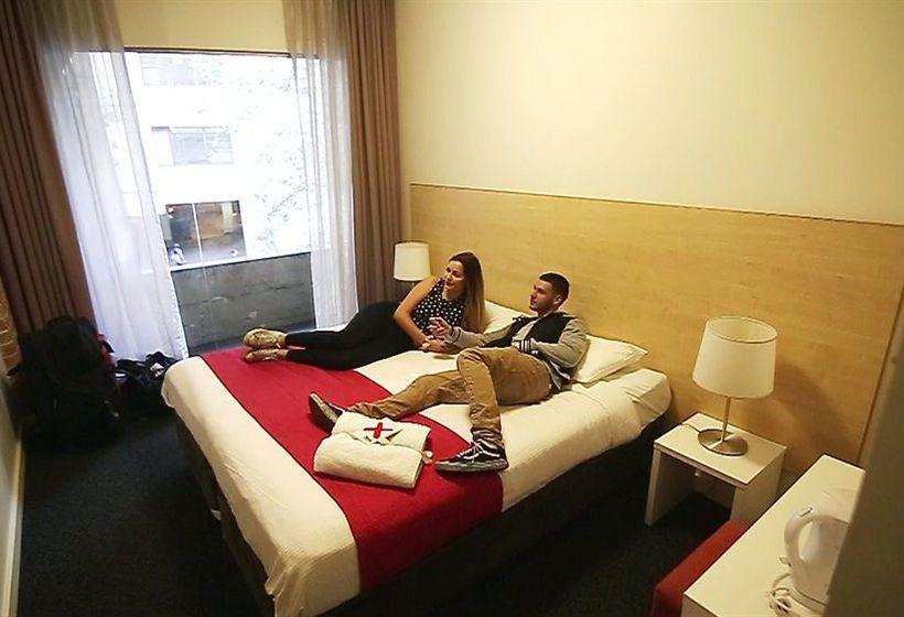 فندق Base Sydney سيدني