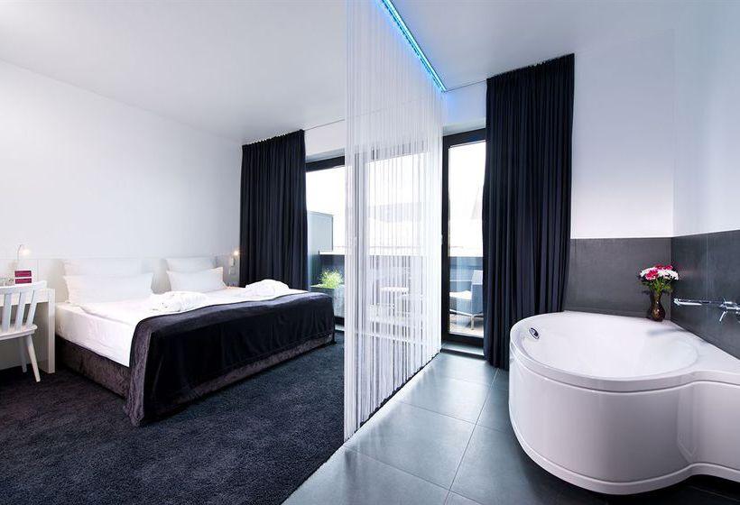 hotel lindemann 39 s in berlin starting at 24 destinia. Black Bedroom Furniture Sets. Home Design Ideas