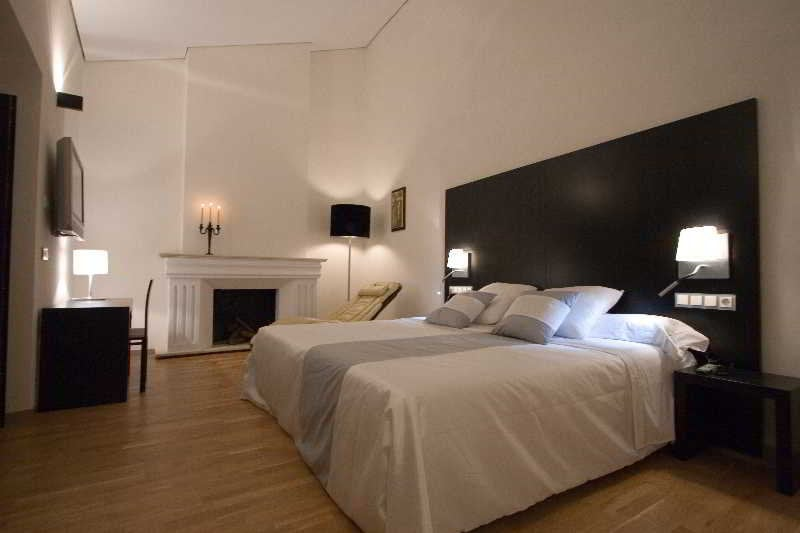 Hotel boutique spa adealba in merida starting at 21 for Boutique spa hotels uk