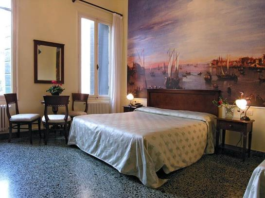 bed and breakfast ca centopietre in venice starting at 37 destinia. Black Bedroom Furniture Sets. Home Design Ideas