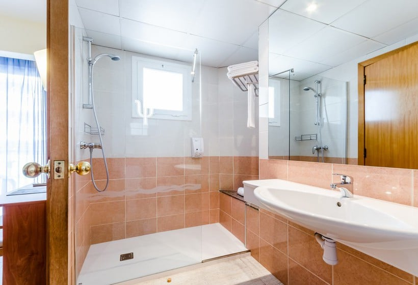 Bathroom Hotel Mar Blau  Calella