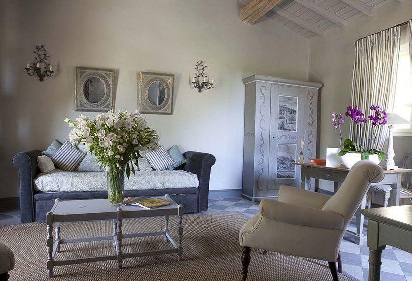 le hameau des baux chateaux hotels de france en paradou. Black Bedroom Furniture Sets. Home Design Ideas