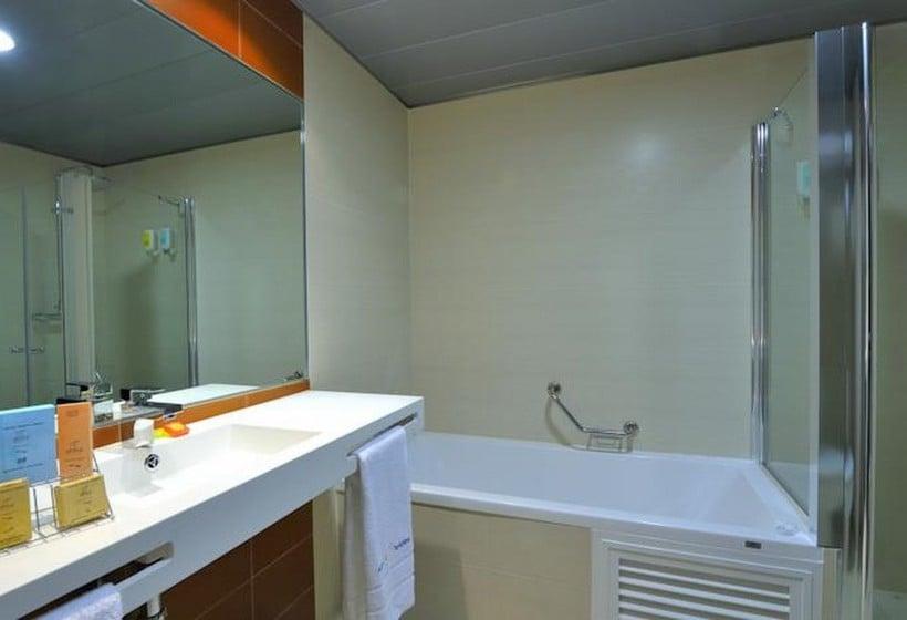 Cuarto de baño Hotel Abba Granada
