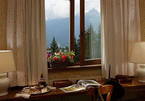Boutique hotel villa blu cortina em cortina d 39 ampezzo desde 81 destinia - Cortina boutique ...
