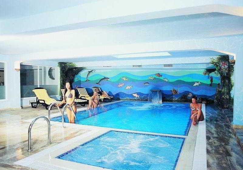 حمام سباحة Magic Hotel أنطاليا