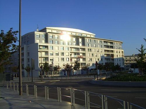 H tel residence la maison des cherche vandoeuvre les for Appart hotel la maison des chercheurs nancy