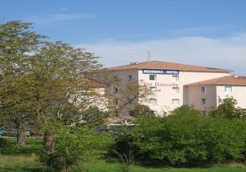 Hotel n m a val dancelle en saint jean destinia for Appart hotel 31240
