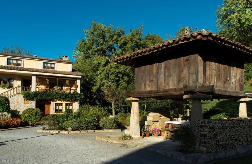 Casa rural santu col s cangas de onis the best offers with destinia - Casa rural santu colas ...
