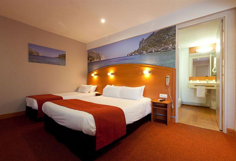 comfort hotel marseille airport vitrolles partir de 28 destinia. Black Bedroom Furniture Sets. Home Design Ideas