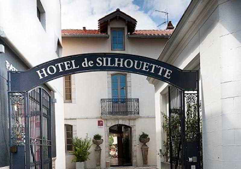 hotel de silhouette in biarritz starting at 48 destinia. Black Bedroom Furniture Sets. Home Design Ideas