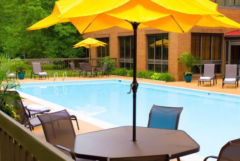 Hotel Wyndham Garden Williamsburg Busch Gardens Area