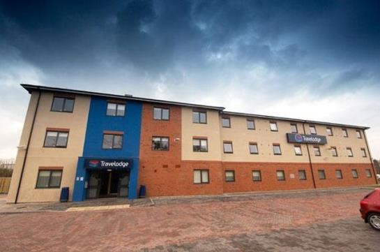 Hotel travelodge bromborough in wirral starting at 30 destinia for Wirral hotels with swimming pools