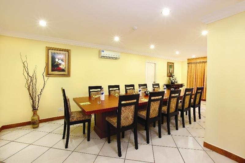 Emarald Hotel Cochin Kochi