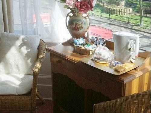 Hotel Airedale Guest House Scarborough