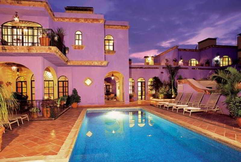 Hotels in tlaquepaque jalisco for Boutique hotel uzuri villa
