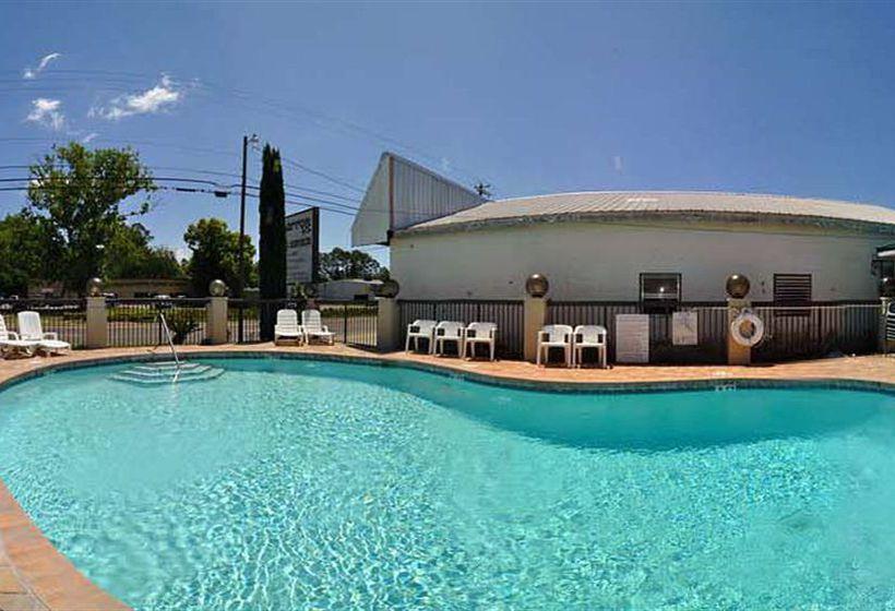 Hotel days inn panama city panama city le migliori for Parkway motors panama city